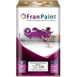 tintas colorida na parede Areia Branca